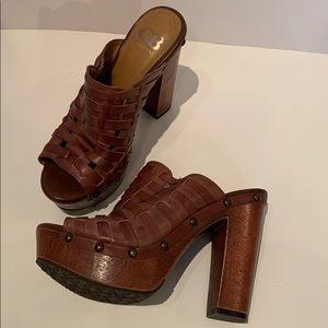 Gianni Bini Free-Bird Woven Clog Sandal Platform